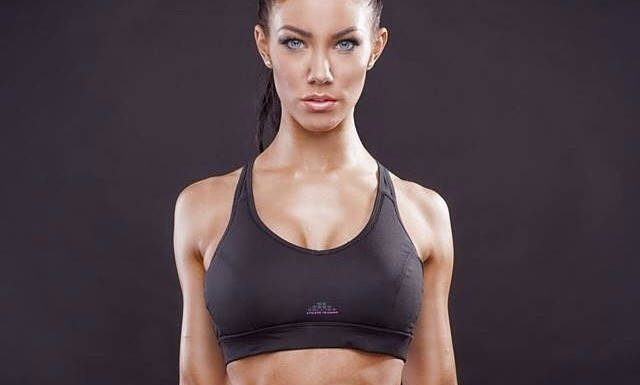 Chest Exercises - Health Fitness India - Stephanie Davis - Fitness Model - 1